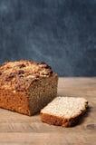 Хлеб Брайна на деревянном столе Стоковое фото RF