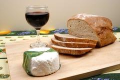 Хлеб, вино и сыр Стоковые Фотографии RF