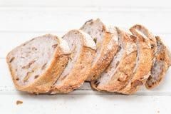 Хлеб грецкого ореха на белой деревянной предпосылке Стоковые Фотографии RF