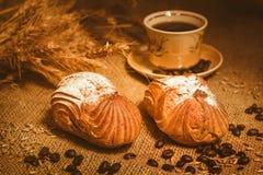 Хлеб и увольнение с кофе стоковое изображение rf