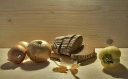 Хлеб и лук Стоковая Фотография RF