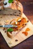 Хлеб клюквы и грецкого ореха с вареньем Стоковая Фотография