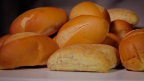 Хлеб на хлебопекарне сток-видео