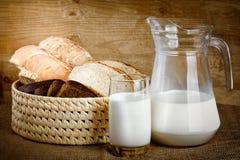 Хлеб от рож и пшеничной муки грубый молоть Стоковая Фотография RF