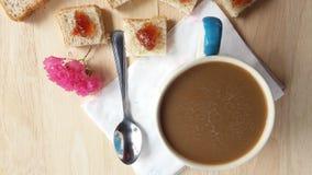 Хлеб пшеницы Strawerrywhole кофе с ананасом Стоковые Фотографии RF