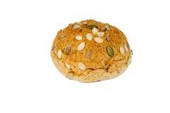 хлеб плюшки зерен на белой предпосылке Стоковое Изображение RF