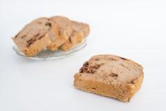 Хлеб с грецкими орехами и обломоками шоколада Стоковые Фото