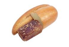 Хлеб с отрубями, коричневый хлеб и половина хлеба пшеницы Стоковая Фотография