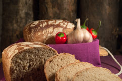 Хлеб, яичко, молоко и овощи Завтрак Стоковая Фотография RF