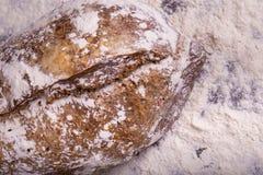 Хлеб Rye на деревянной предпосылке Стоковые Фото