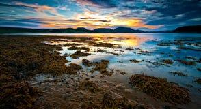 цветастая вода захода солнца стоковая фотография rf