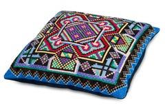 цветастая декоративная изолированная белизна подушки Стоковая Фотография RF