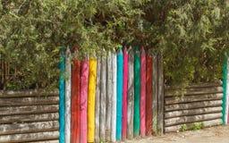 Цветастая деревянная загородка Стоковая Фотография RF