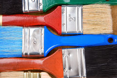 цветастая изолированная древесина paintbrush Стоковые Изображения