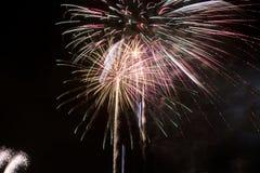 цветастая ноча феиэрверков Стоковое фото RF