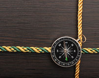 Цветастая рамка веревочки с компасом Стоковое Изображение