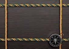 Цветастая рамка веревочки с компасом Стоковые Фотографии RF