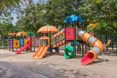 цветастая спортивная площадка парка Стоковые Изображения RF