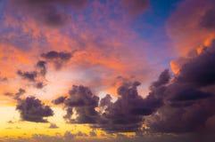 Цветастое драматическое небо Стоковое Изображение RF