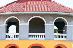 Цветастое старое классицистическое здание Стоковые Изображения RF