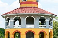 Цветастое старое классицистическое здание Стоковое Изображение RF