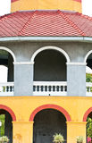 Цветастое старое классицистическое здание Стоковая Фотография RF