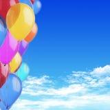 Цветастые воздушные шары на небе Стоковое Изображение RF