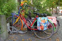 Цветастые голландские велосипеды Стоковое фото RF