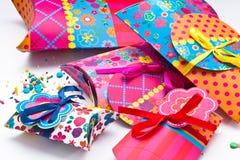 Цветастые коробки подарка Стоковые Изображения