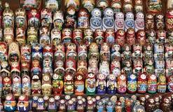 цветастые куклы гнездясь русский Стоковые Фотографии RF
