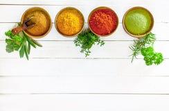 Цветастые кулинарные травы и специи Стоковое Изображение
