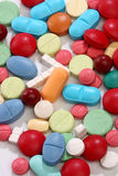 цветастые пилюльки микстуры группы стоковые изображения rf