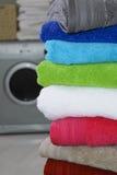 цветастые полотенца стога стоковые изображения rf
