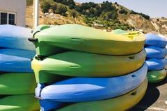 цветастые стога kayaks стоковое изображение rf