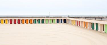 Цветастые хаты пляжа Стоковая Фотография RF
