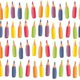 Цветастые crayons на белой безшовной картине Стоковая Фотография RF