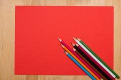 цветастые crayons покрашено различно много карандашей стоковая фотография