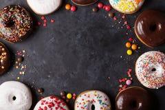 цветастые donuts стоковые изображения rf
