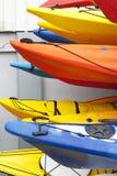 цветастые kayaks Стоковая Фотография RF