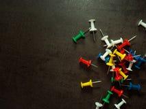 Цветастые pushpins Стоковая Фотография RF