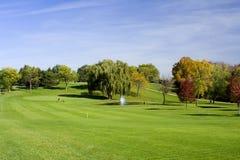 цветастый гулять гольфа курса Стоковые Изображения