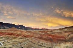 цветастый заход солнца mitchell холмов покрашенный Орегоном стоковое изображение rf