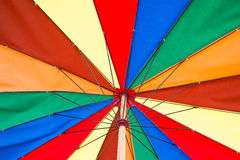 Цветастый зонтик пляжа Стоковые Изображения