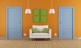 Цветастые нутряные двери и кресло Стоковая Фотография