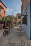 Цветастый остров Burano, около Венеции, Италия Стоковое Изображение RF