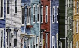 цветастый рядок домов Стоковые Изображения RF