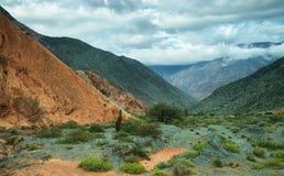 цвета Красно гора в Purmamarca Стоковое фото RF