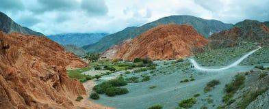 цвета Красно гора в Purmamarca Стоковое Изображение RF
