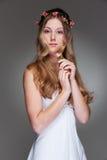цветет грациозно детеныши женщины стоковые изображения