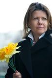 цветет желтый цвет женщины улицы Стоковые Фото